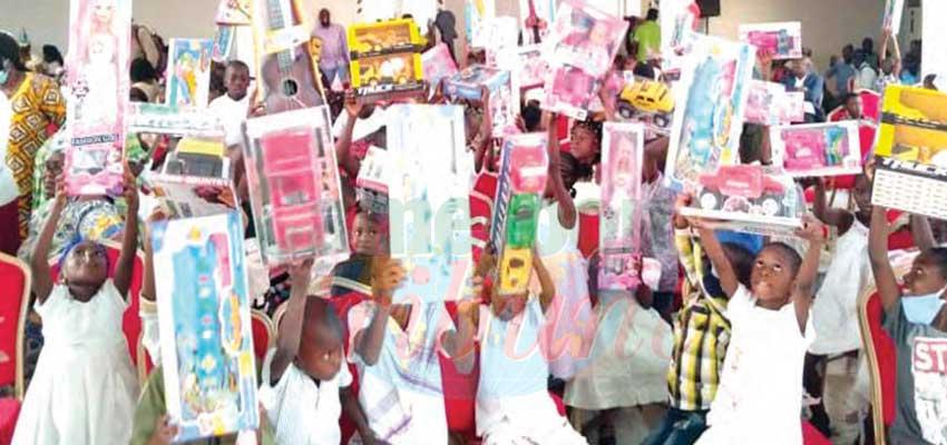 Douala II : du sourire pour 500 jeunes démunis