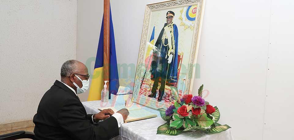 Décès du Maréchal Idriss Deby Itno : un livre de condoléances ouvert à Yaoundé