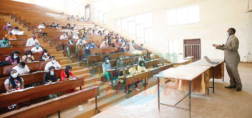 Universités :   la pression des effectifs