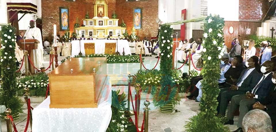 Cardinal Christian Tumi : le temps des adieux