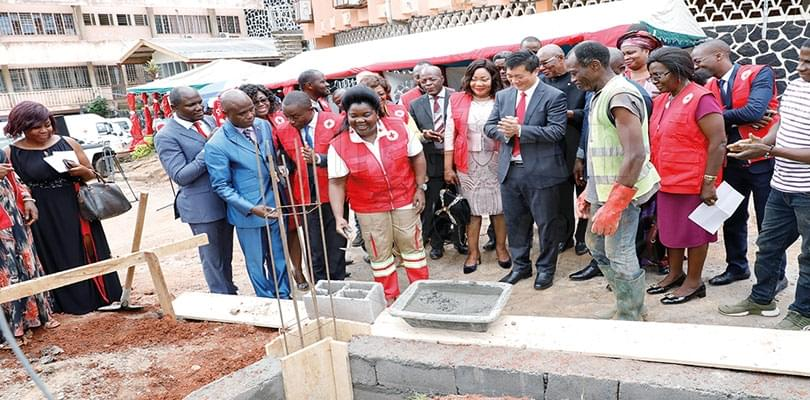 Croix-rouge camerounaise: la construction d'un entrepôt lancée