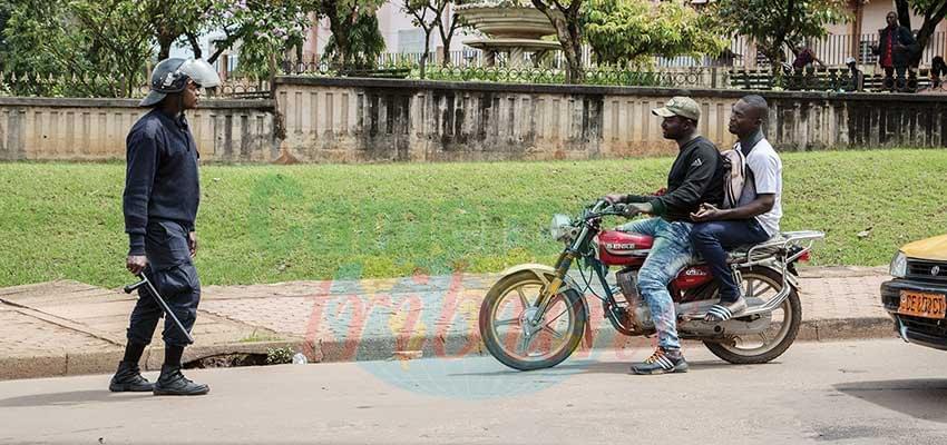 Des conducteurs de motos-taxis récalcitrants aussitôt ramenés à l'ordre.