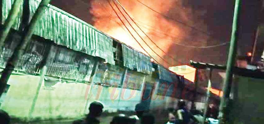 Douala : incendie au marché de la Cité des Palmiers