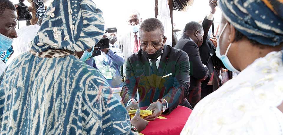 S.M. Ibrahim Mbombo Njoya : la Nation reconnaissante
