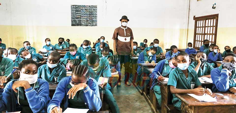 -La plupart des élèves des classes d'examen ont la tête en permanence dans le guidon.