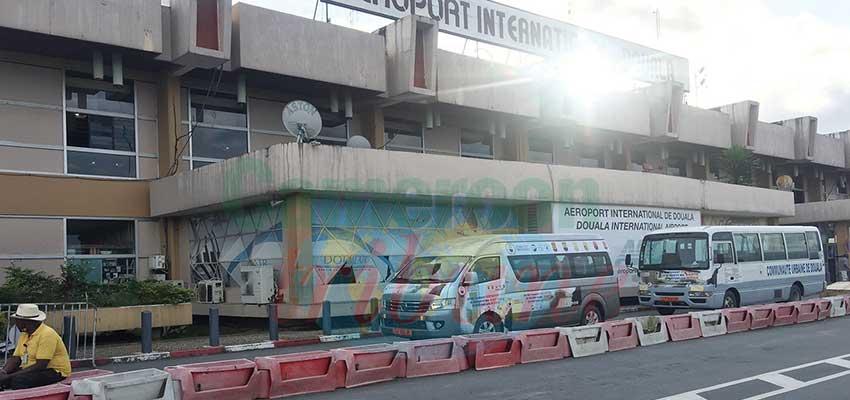 Douala :  57 compatriotes rapatriés des Etats-Unis