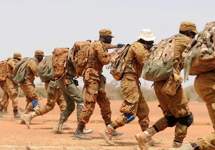 L'armée veut augmenter ses troupes pour monter en puissance.