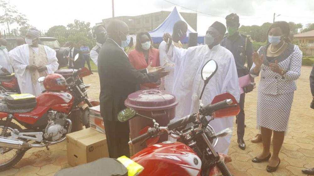 Adamaoua  : le Feicom offre du matériel aux communes