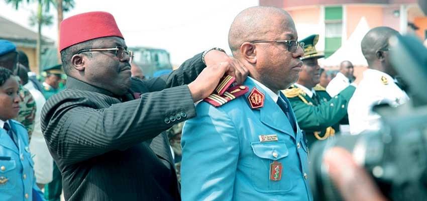 Image : Force de défense: Des épaulettes pour plus de 300 personnels