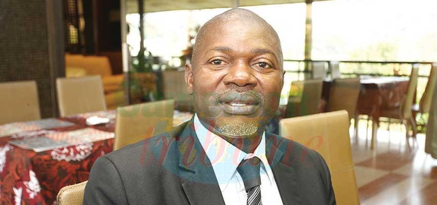 Manassé Aboya Endong, professeur titulaire de science politique à l'Université de Douala et directeur exécutif du Groupe de recherches sur le parlementarisme et la démocratie (GREPDA).