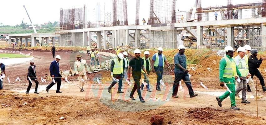 Image : Mission d'inspection CAF: sur les terrains de Douala