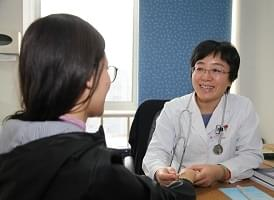 Image : China: Improved Services Attract More Patients