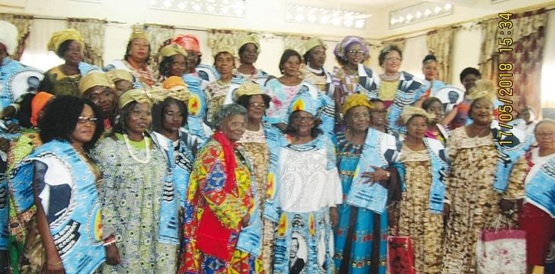 Image : Fako: Candidate Biya's Team Canvasses To Win Limbe