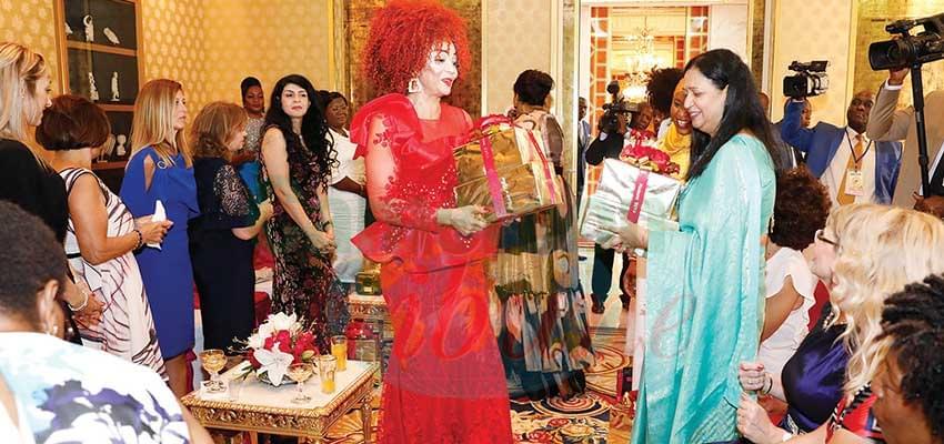 Unity Palace : Flowers, Best Wishes To Chantal Biya
