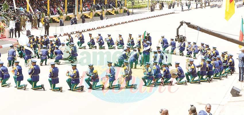 Carrousel: Gendamerie Band Displays National Values