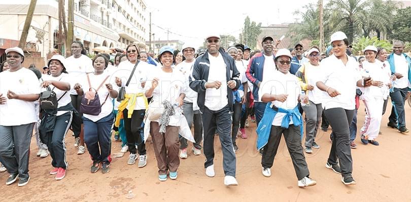 Image : Journée mondiale des enseignants: une marche athlétique en levée de rideaux