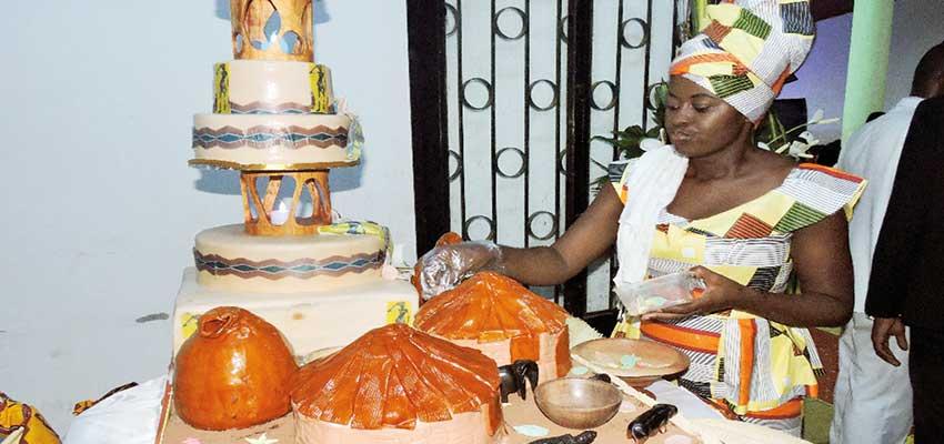 Au-delà des goûts classiques, Claire se sert de fruits locaux pour réaliser ses gâteaux.