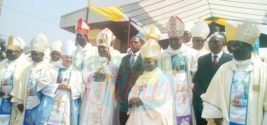 Bamenda Archdiocese : His Grace Andrew Nkea Takes Possession