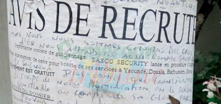 Image : Yaoundé: Ces affiches qui salissent les édifices
