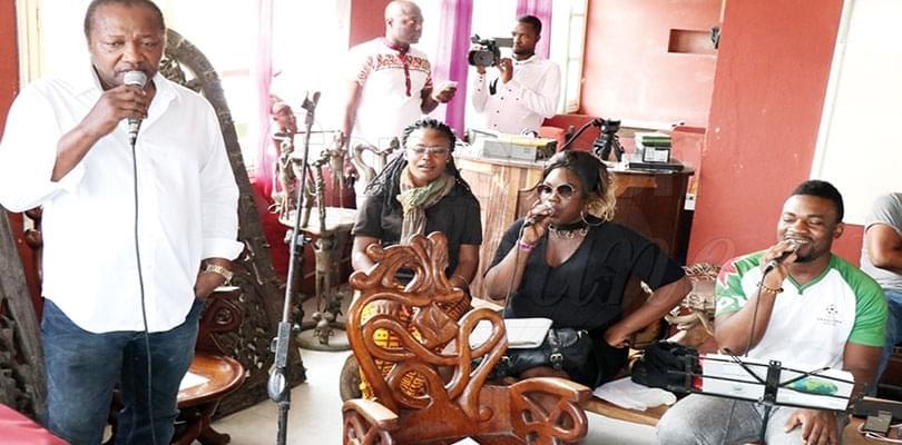 Image : Musique: Elvis Kemayo revient