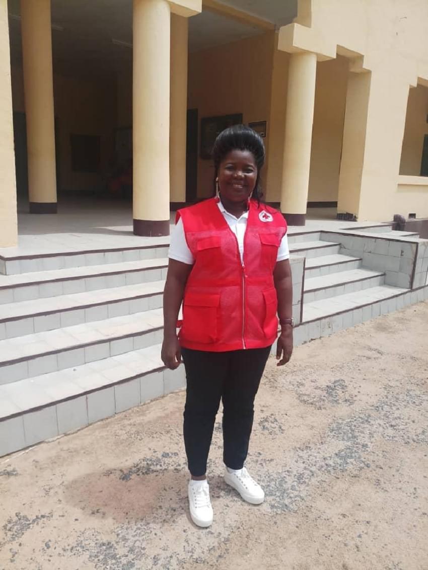 La présidente Cécile Akame Mfoumou de la CRC au secours des personnes sinistrées