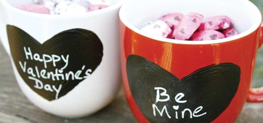 """I Love You"" Gifts Sell Like Hot Cake"