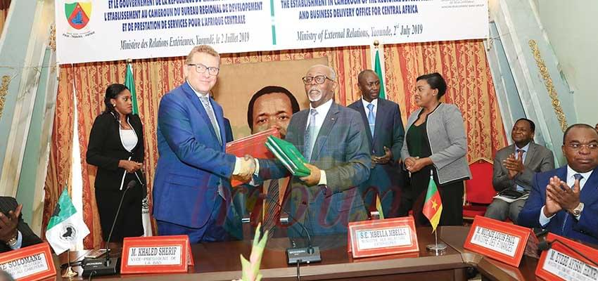 External Relations Minister and AfDB Vice President at the signing ceremony.