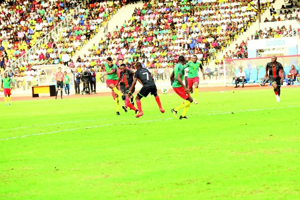 Image : Le jeu et les joueurs: Choupo-Moting Leads Cameroon To Victory