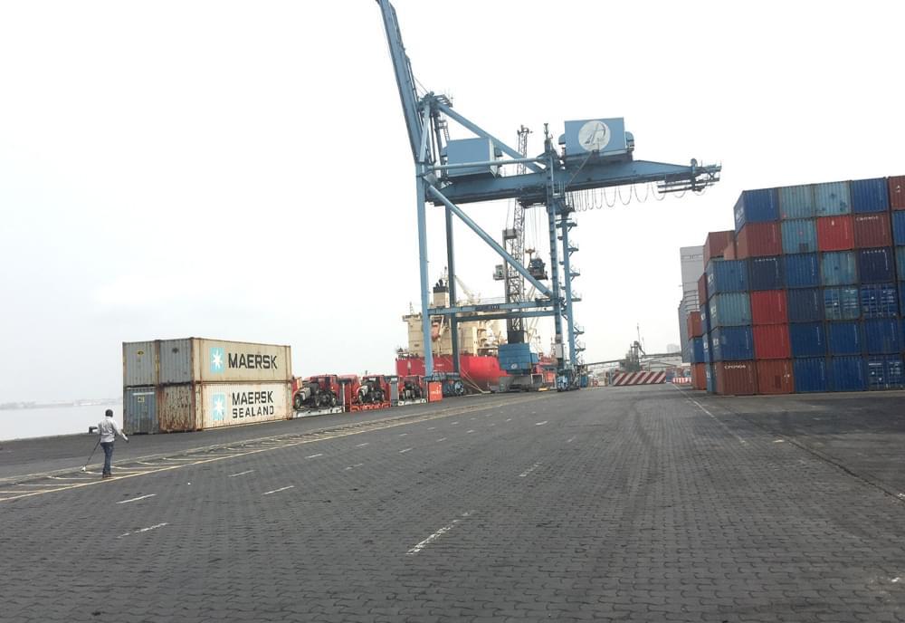 Lors de manoeuvres sur le Terminal à conteneurs hier, 2 janvier 2020.