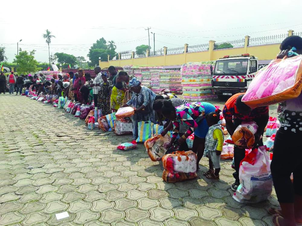 Presidential Largesse : Buea IDPs Receive Their Quota With Gratitude