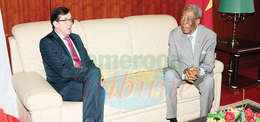 Sénat: Marcel Niat Njifenji invité en France