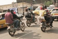 Yaoundé: des motos-taxis s'entêtent