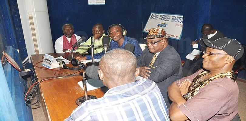 Image : Radios: antenne libre
