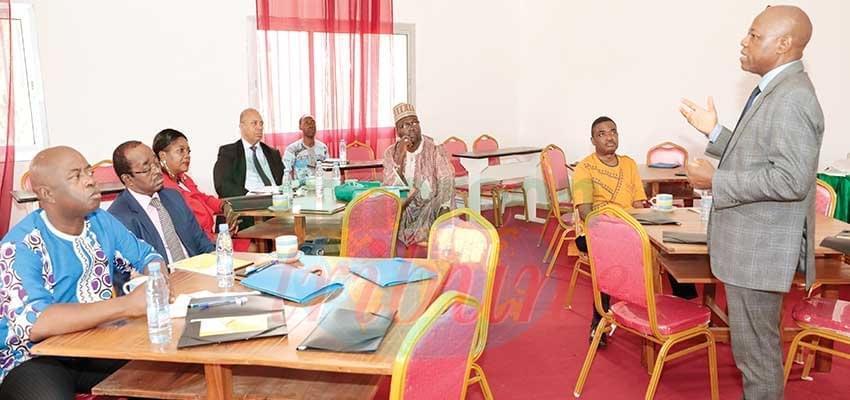 Image : Management: des directeurs  de la Sopecam à l'école