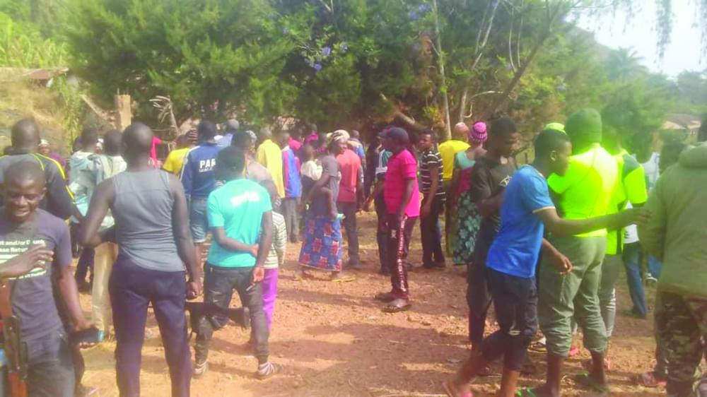 Ngoketunjia Division : Villagers Vent Anger on Fighters, Seize Weapons
