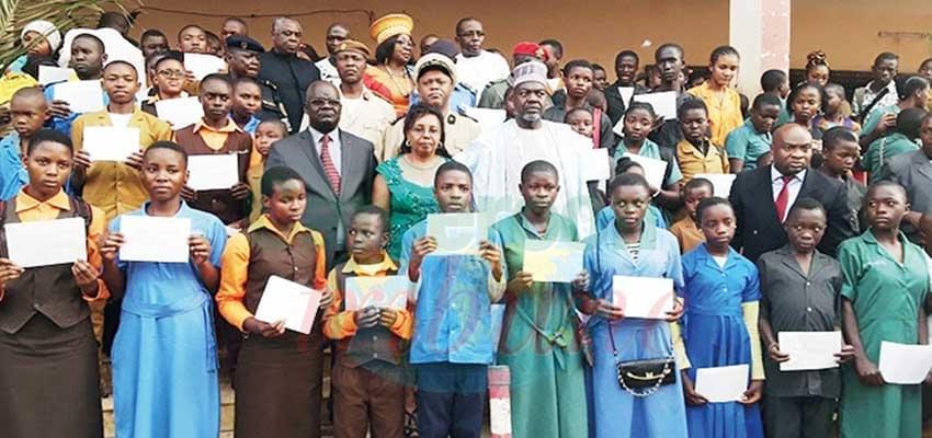 Image : Nord-Ouest et Sud-Ouest: des bourses scolaires offertes aux élèves déplacés