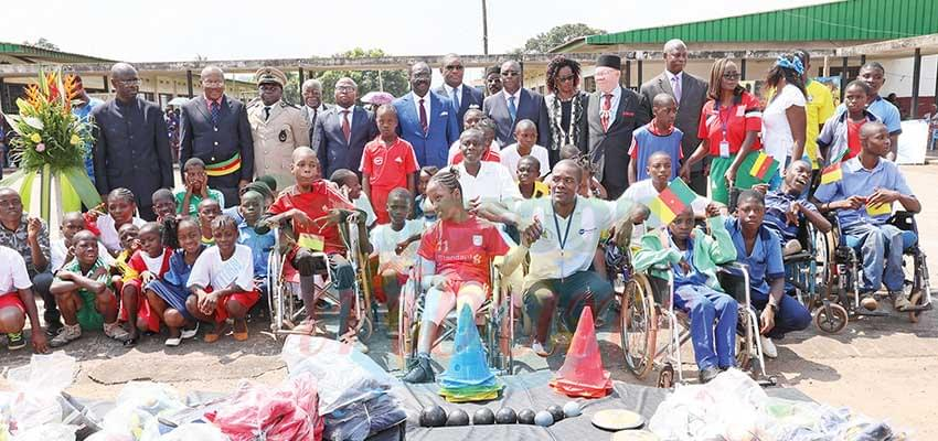 Minister Mouelle Kombi donated sports equipment to the boarders of the CNRPH.