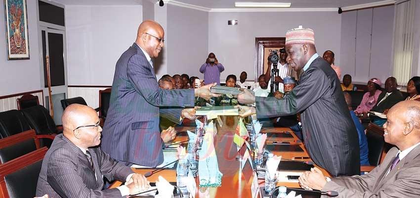 Image : Appui aux réformes économiques: Un accord de prêt de la  BAD de 98,4 milliards au Cameroun