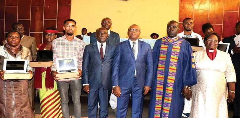 Ordinateurs du chef de l'Etat: les étudiants de l'Upac servis