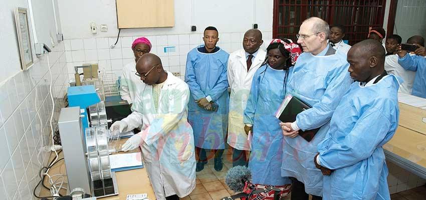 Contrôle de la qualité du médicament :Un hôte de marque au laboratoire national
