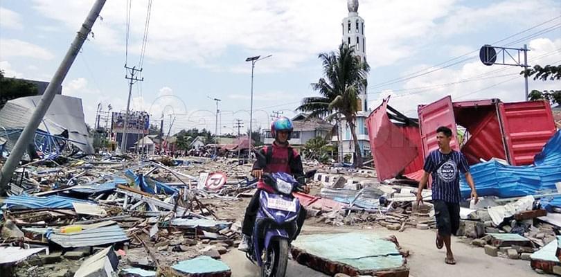 Image : Séisme et tsunami en Indonésie: plus de 800 morts