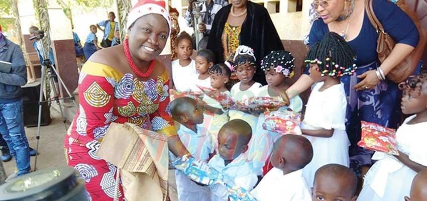 Image : Bafoussam: plus de 2000 cadeaux pour les tout-petits