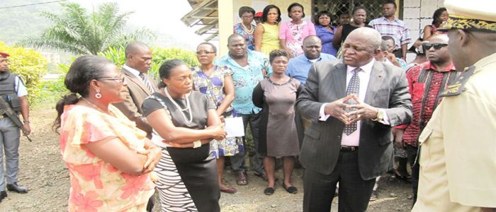 Image : South West Region: Governor Visits Mutengene, Limbe Schools