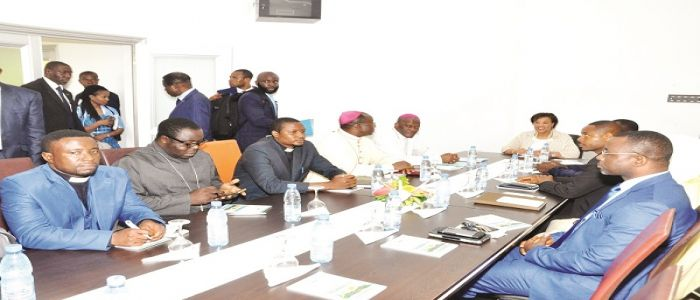 Image : Buea: Commonwealth Secretary-General Gathers Peace Proposals