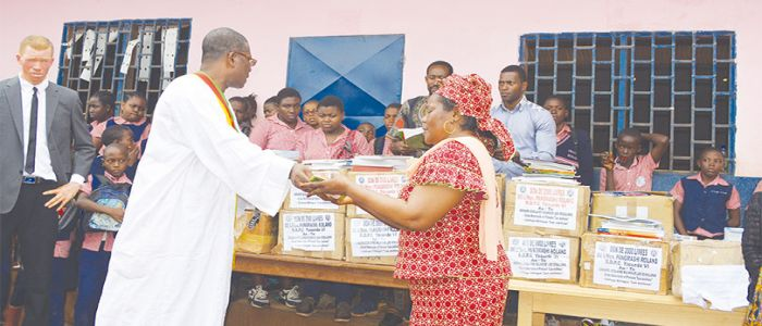Image : Mfoundi VI: MP Donates Textbooks To Pupils
