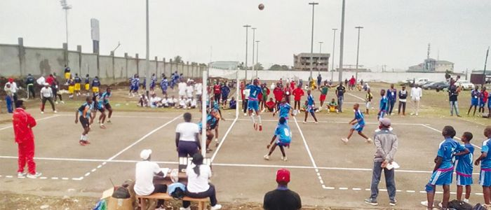 Image : FENASSCO 'A' Games: West Takes Lead
