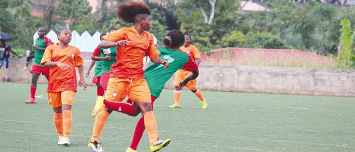 Feminine Football Championship: 'AWA Filles' Top League Table
